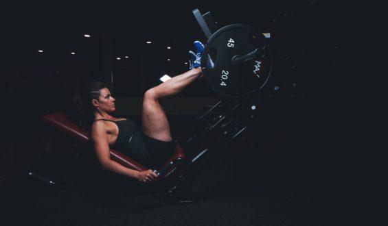Na jakie partie ciała najbardziej pomagają zajęcia fitness?